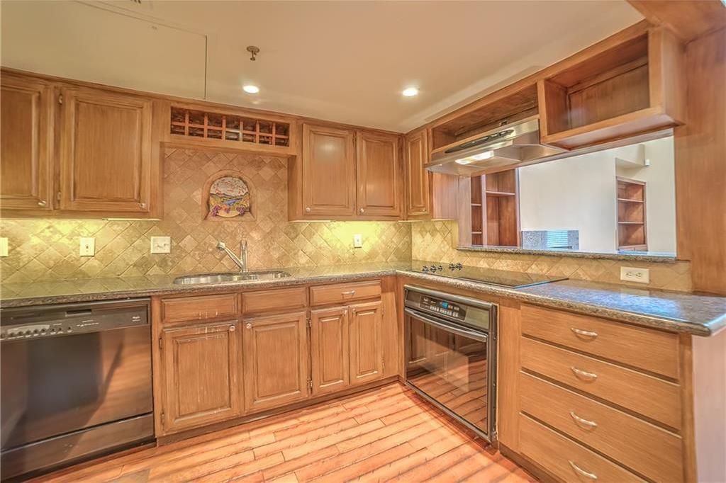 Leased   3906 Buena Vista Street #15A Dallas, Texas 75204 4