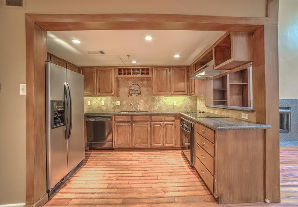 Leased   3906 Buena Vista Street #15A Dallas, Texas 75204 5