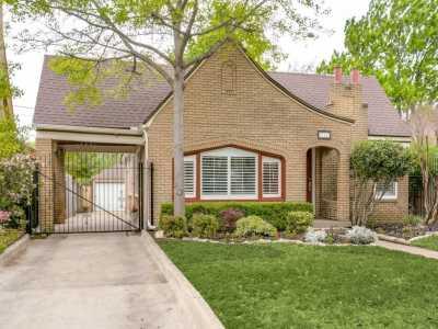 Sold Property | 711 Cordova Street Dallas, Texas 75223 2