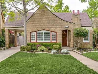 Sold Property | 711 Cordova Street Dallas, Texas 75223 3