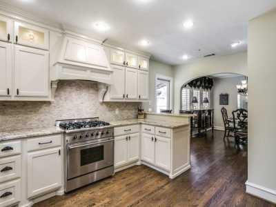 Sold Property | 711 Cordova Street Dallas, Texas 75223 9