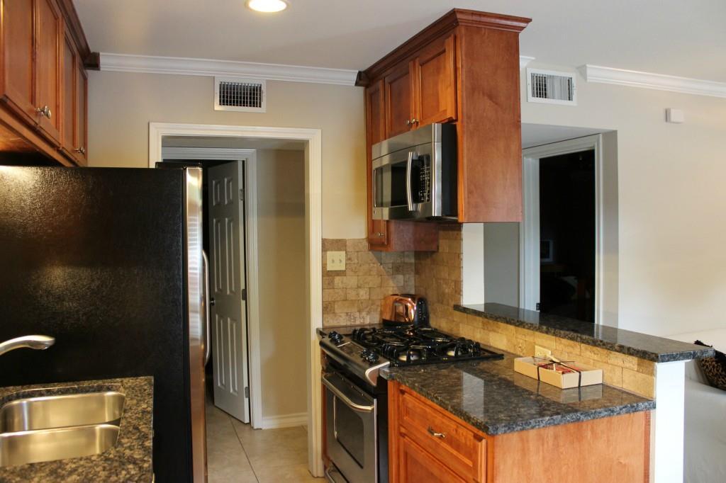 Sold Property   407 E 45th ST #112 Austin, TX 78751 7