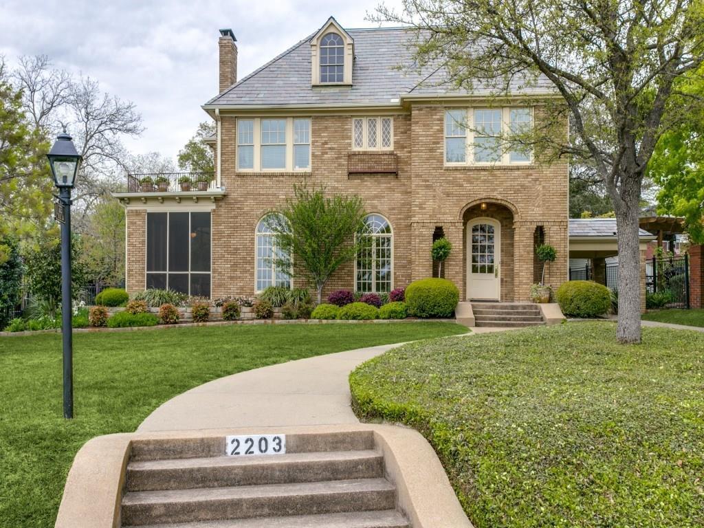 Sold Property | 2203 Cambria Boulevard Dallas, Texas 75214 2