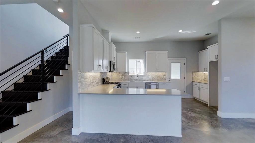 Sold Property | 6902 Carver  AVE #A Austin, TX 78752 3