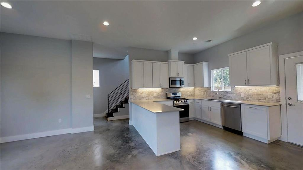 Sold Property | 6902 Carver  AVE #A Austin, TX 78752 4