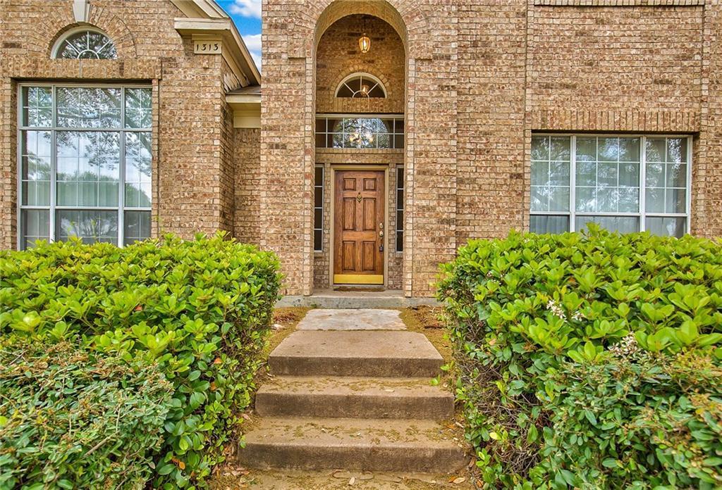 Sold Property | 1313 Bentley Drive Carrollton, Texas 75006 3