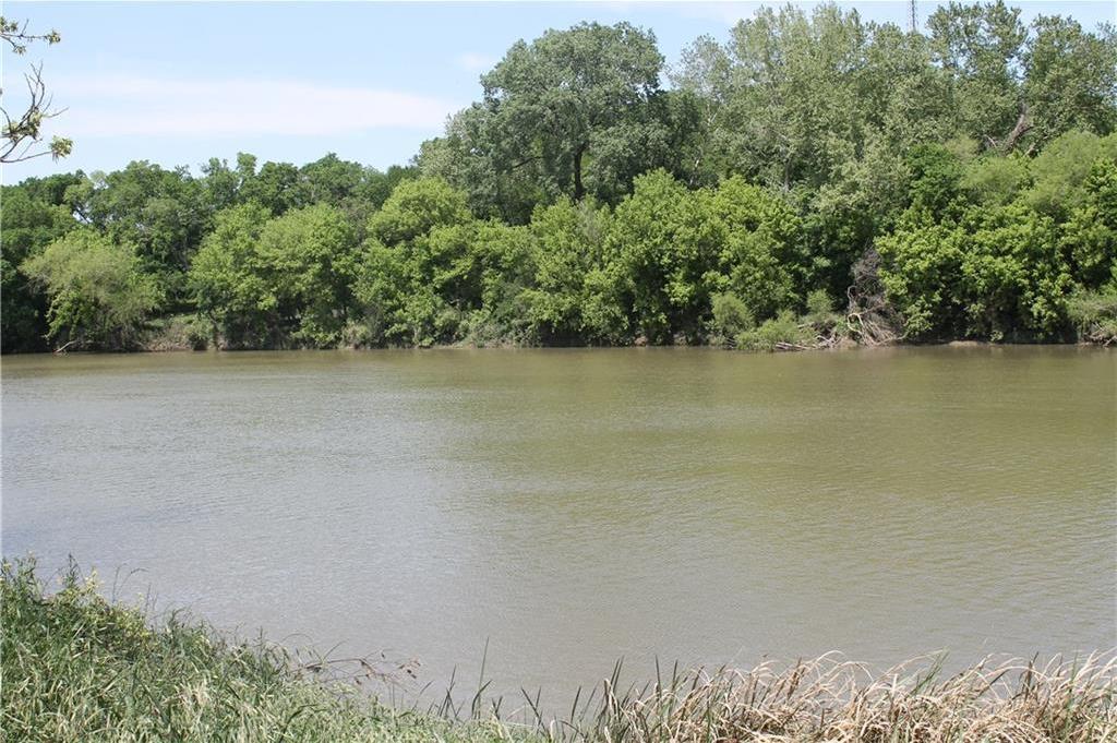 Active | 104 Shoreline Drive Bastrop, TX 78602 4