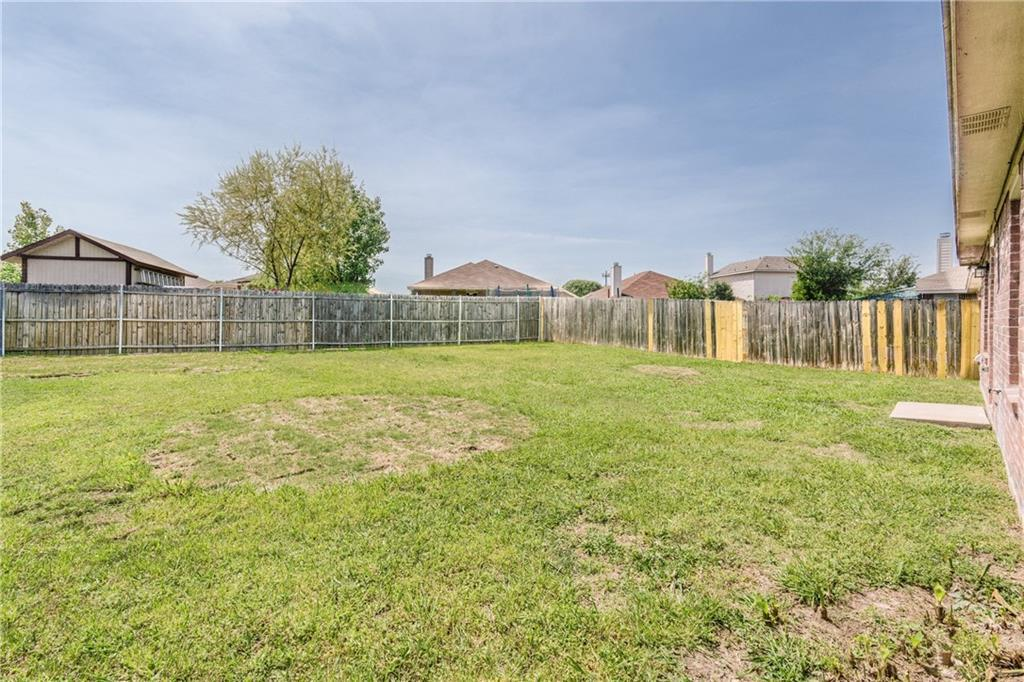 Sold Property | 1023 Carlsbad Drive Grand Prairie, Texas 75051 4