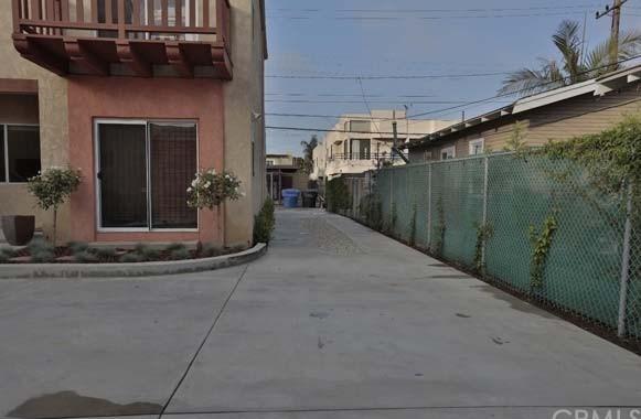 Active | 1943 19th.  Santa Monica, CA 90404 4