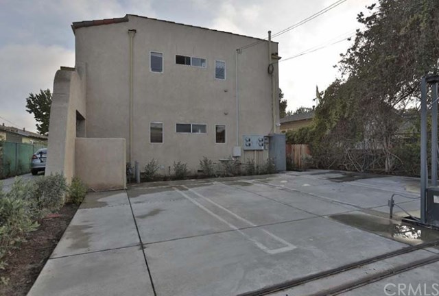 Active | 1943 19th.  Santa Monica, CA 90404 6