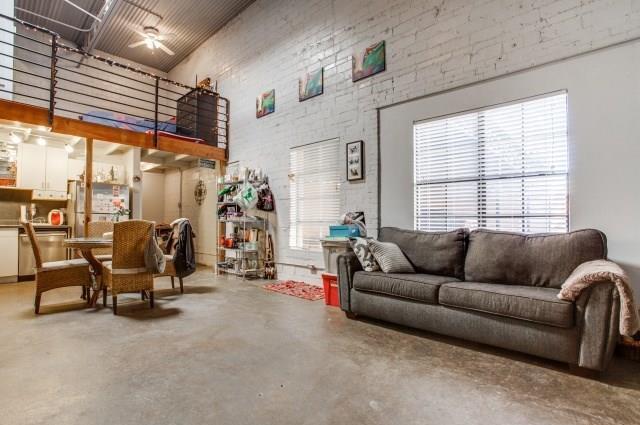 Leased | 3129 Ross Avenue #6 Dallas, Texas 75204 3