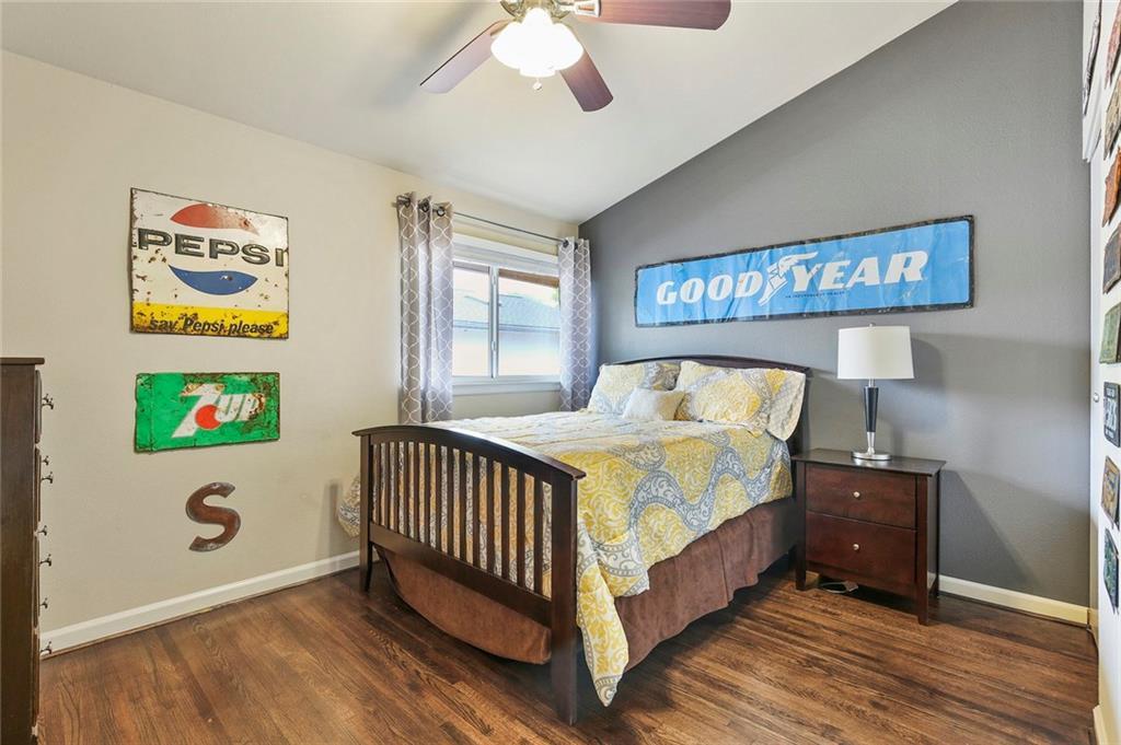Housed Real Estate  | 8410 Gladwood Lane Dallas, Texas 75243 24