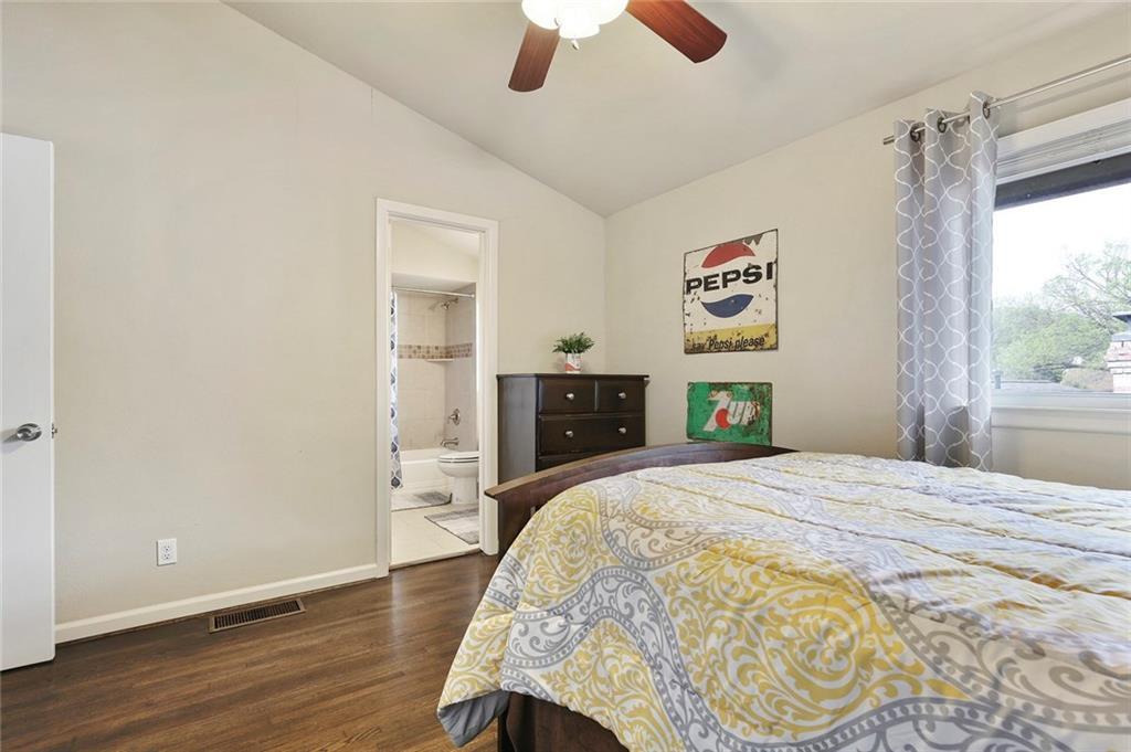 Housed Real Estate  | 8410 Gladwood Lane Dallas, Texas 75243 25