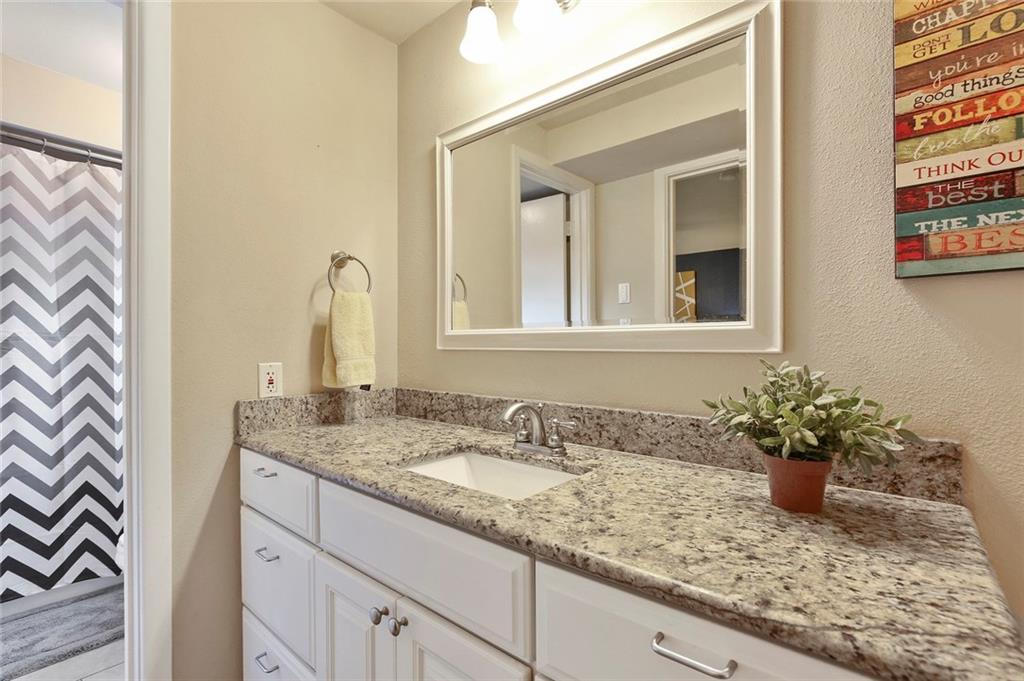 Housed Real Estate  | 8410 Gladwood Lane Dallas, Texas 75243 28