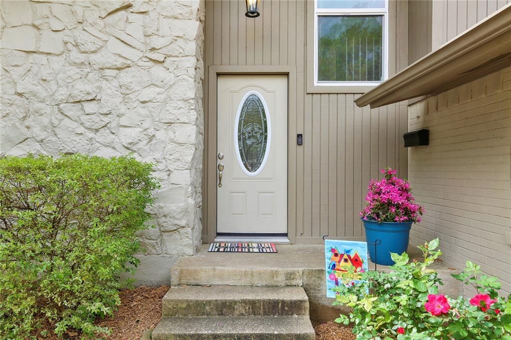 Housed Real Estate  | 8410 Gladwood Lane Dallas, Texas 75243 5