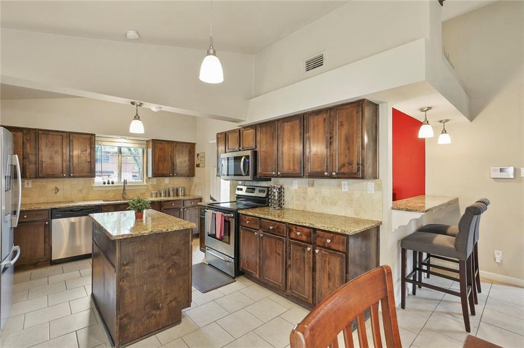 Housed Real Estate  | 8410 Gladwood Lane Dallas, Texas 75243 11