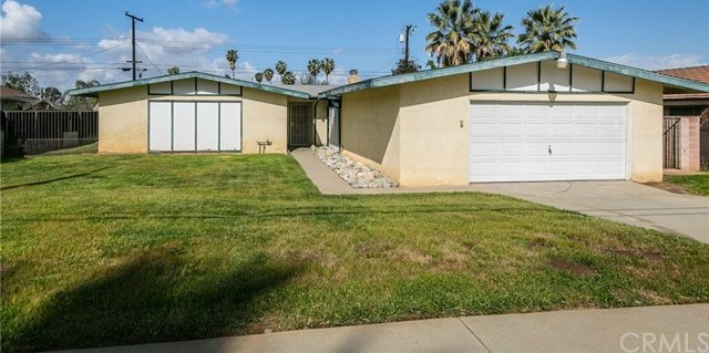 Closed | 327 N Lincoln Street Redlands, CA 92374 16