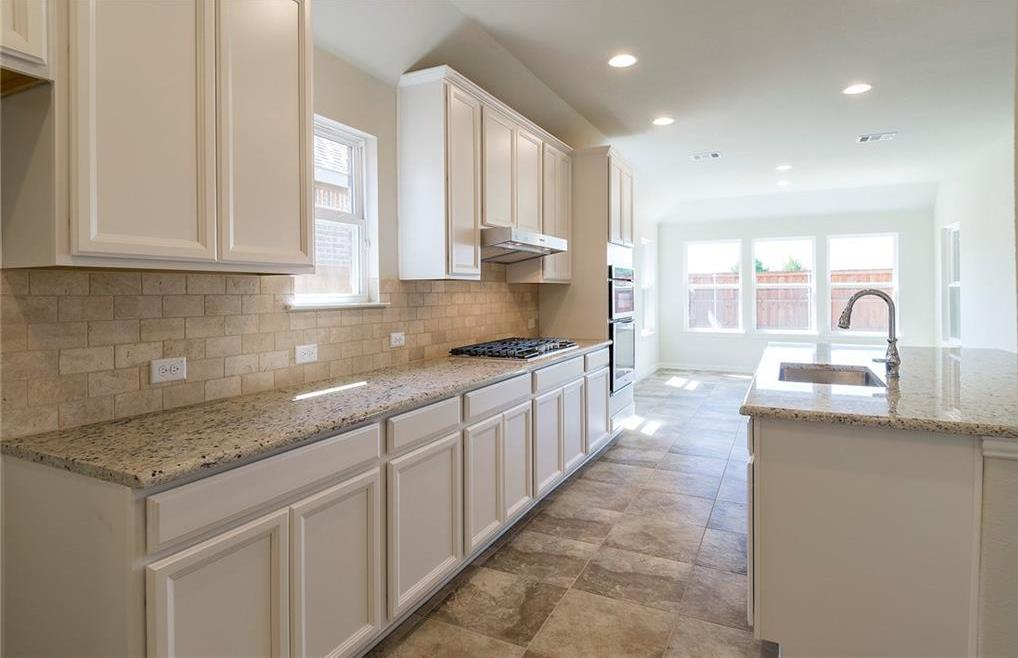 Sold Property   3404 Woodford Drive Mansfield, Texas 76084 9