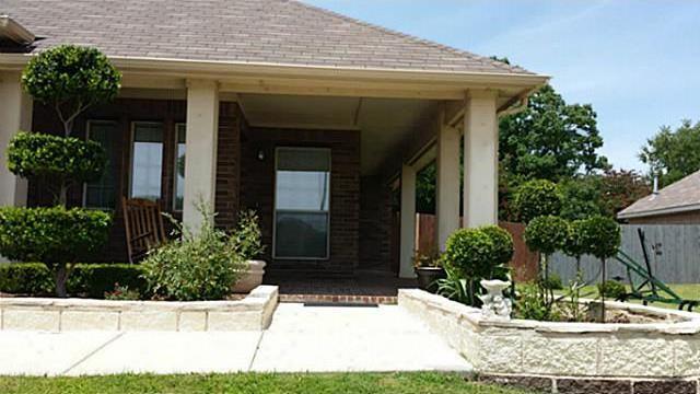 Sold Property | 44 Lucas Lane Edgecliff Village, Texas 76134 0