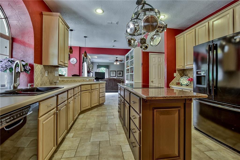 Sold Property | 4224 Treehaven Court Arlington, Texas 76016 16