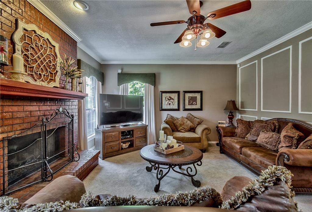 Sold Property | 4224 Treehaven Court Arlington, Texas 76016 9