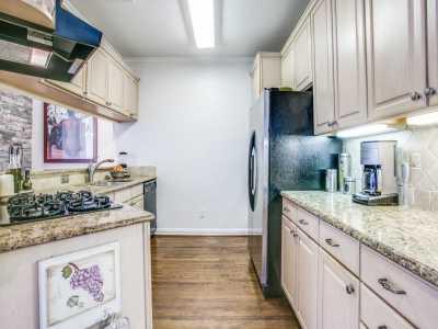 Sold Property | 2 Stonebriar Court Dallas, Texas 75206 12