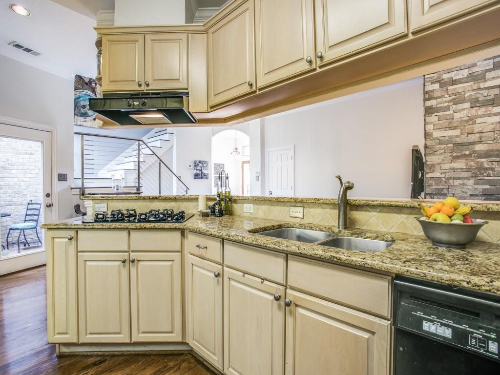 Sold Property | 2 Stonebriar Court Dallas, Texas 75206 13