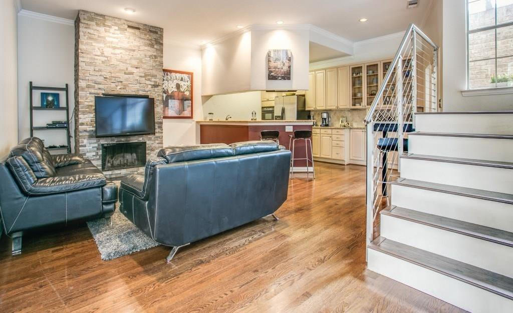 Sold Property | 2 Stonebriar Court Dallas, Texas 75206 5