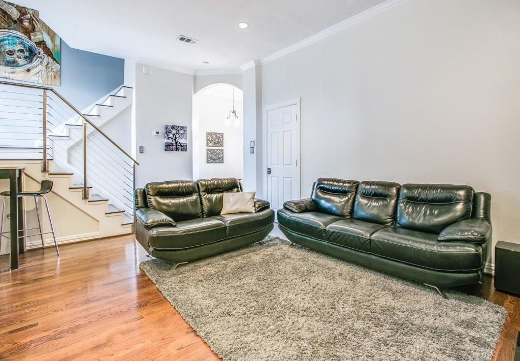Sold Property | 2 Stonebriar Court Dallas, Texas 75206 6