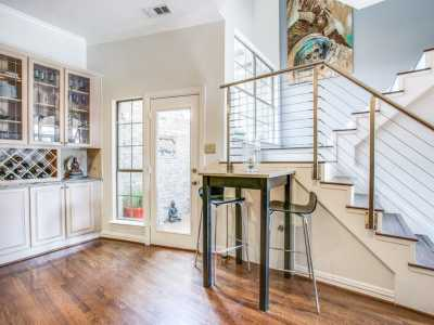 Sold Property | 2 Stonebriar Court Dallas, Texas 75206 9