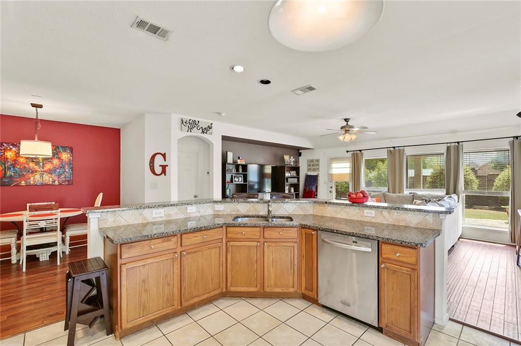 Housed Real Estate  | 6129 Lochshire  Drive Fort Worth, TX 76179 8