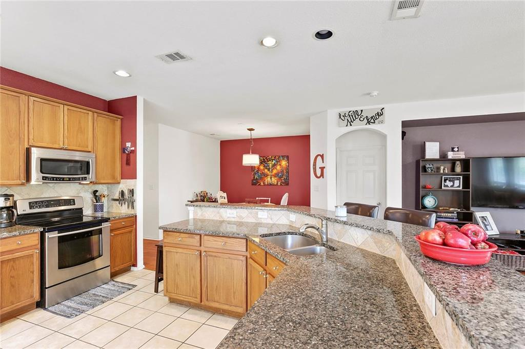 Housed Real Estate  | 6129 Lochshire  Drive Fort Worth, TX 76179 9